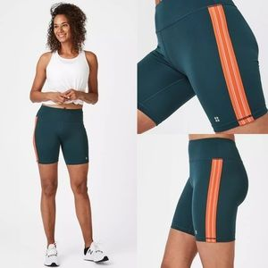 """NEW Sweaty Betty 4"""" Contour Workout Short in SMALL"""
